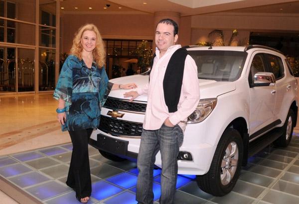 Conrad y General Motors entregaron 15 autos | Comunicación